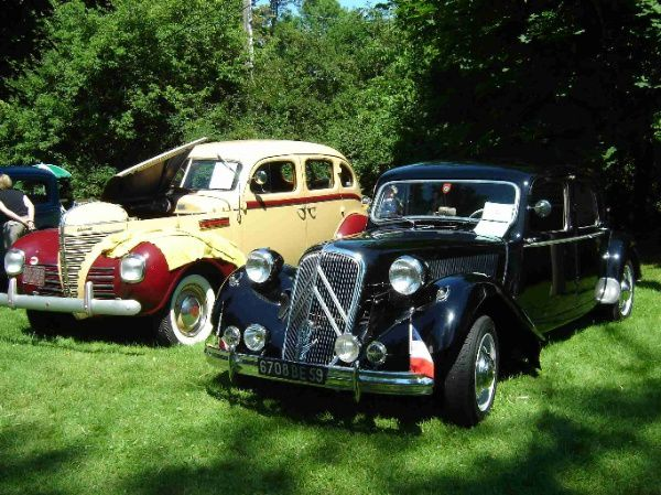 CITROEN-Traction-1955---PLYMOUTH.jpg
