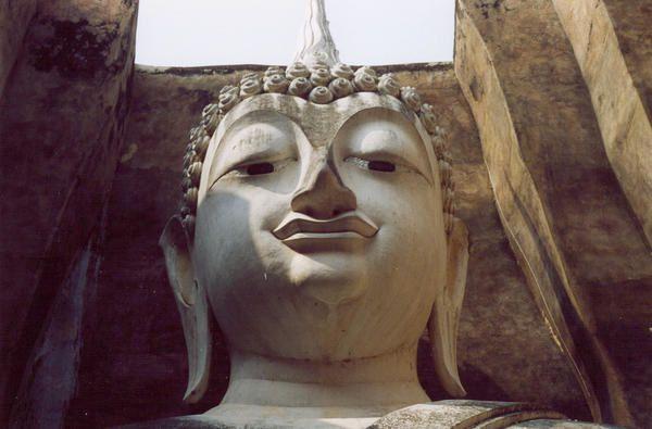SuKhothaï (Thaïlande)les mains du Bouddha(photos argentiques)