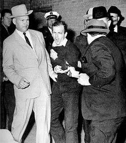 lee_harvey_oswald_3.jpg