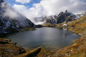 800px-Great-St--Bernard-Pass.jpg