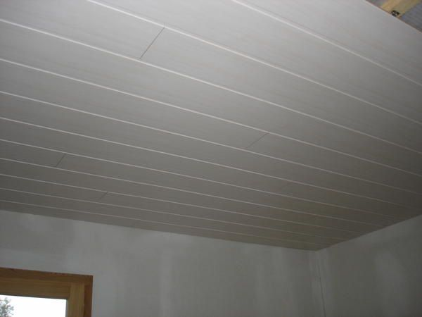 Construction d 39 une maison ossature bois mob en aveyron for Pose d un plafond en lambris pvc