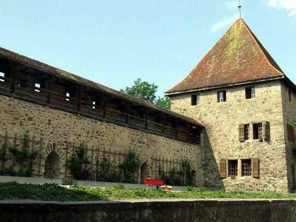 Chemin de ronde et tour d'angle... le rêve médiéval est là !