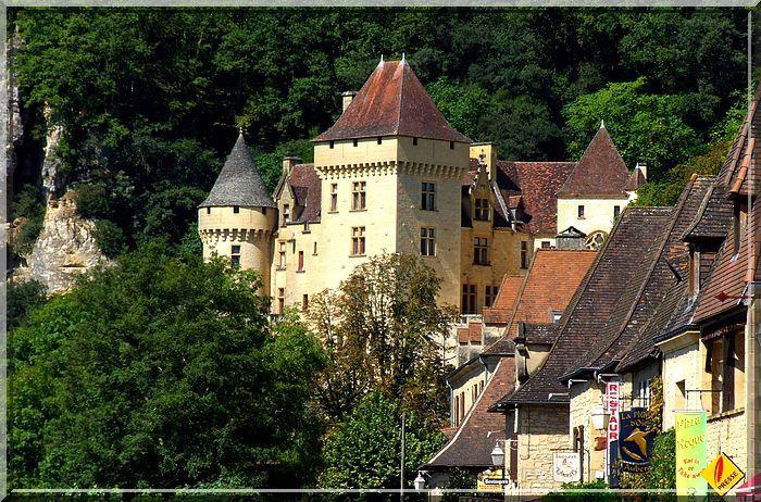 Un château qui paraît médiéval et... qui n'en est pas un