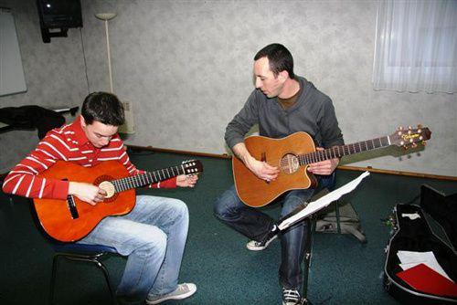 atelier-guitare-saint-lazar.jpg