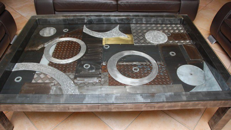 Une table de salon contemporaine sur mesure le blog de sonia - Table salon metal ...