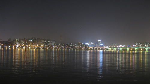 Hangang-river-by-nigth--11-.JPG
