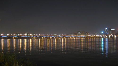 Hangang-river-by-nigth--2-.JPG