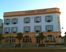 280px-Mairie-Clohars-Carnoet-aout-2010.jpg