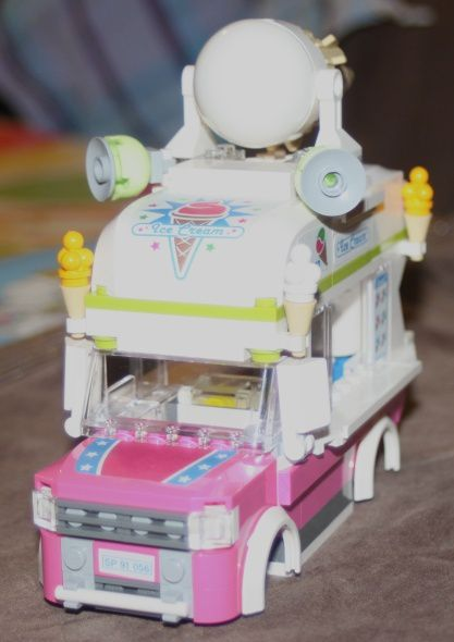 LEGO 70804 The Lego Movie Marchand Glace 38