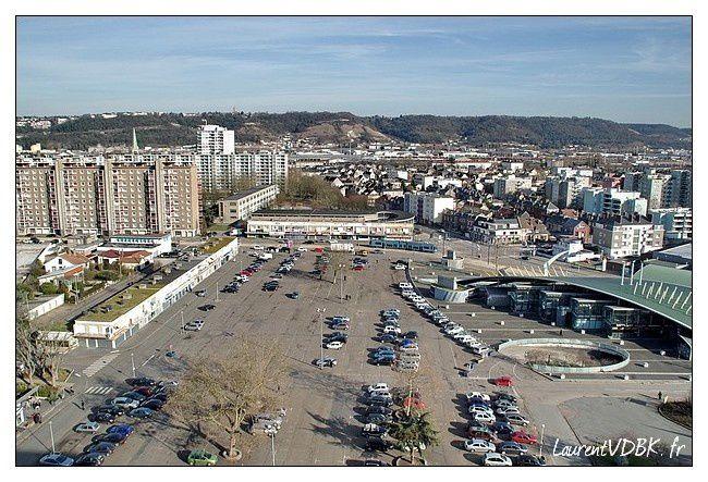 Sotteville vue du haut de l'ILN place de l'hôtel de ville
