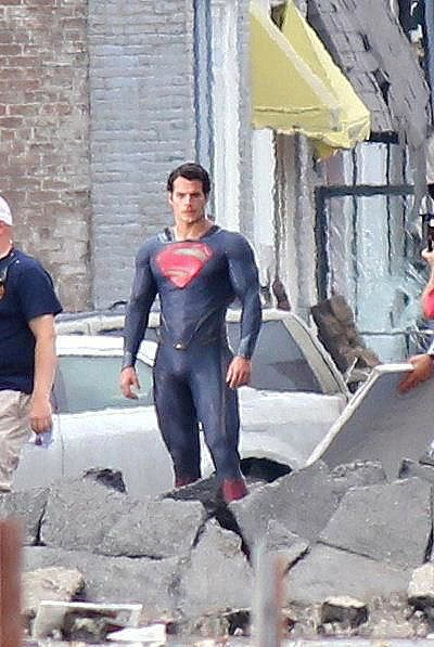 Man of Steel Henry Cavill Costume 01
