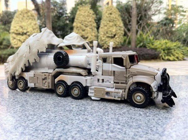 Transformers 3 Toys Truck 06