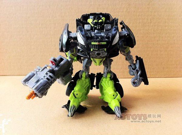 Transformers 3 Toys Deluxe Skids 01