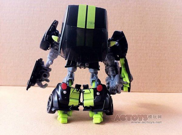 Transformers 3 Toys Deluxe Skids 02