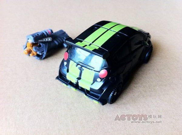 Transformers 3 Toys Deluxe Skids 03