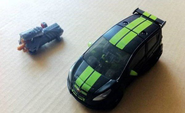Transformers 3 Toys Deluxe Skids 04