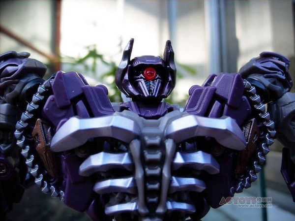 Transformers 3 Toys Voyager Shockwave 06