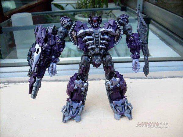 Transformers 3 Toys Voyager Shockwave 07