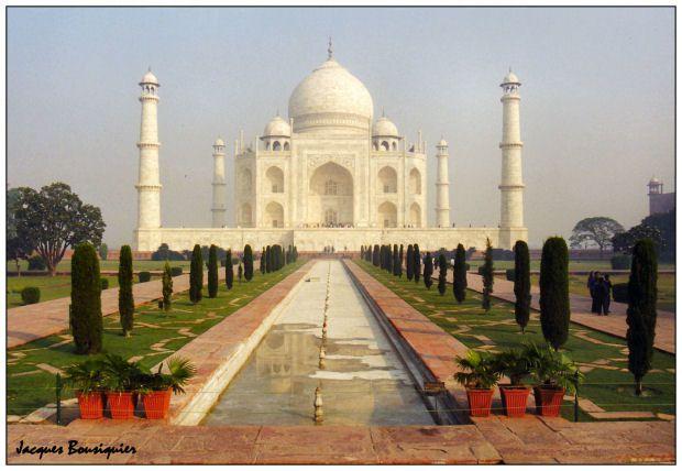 Agra-Taj-Mahal-01d.jpg