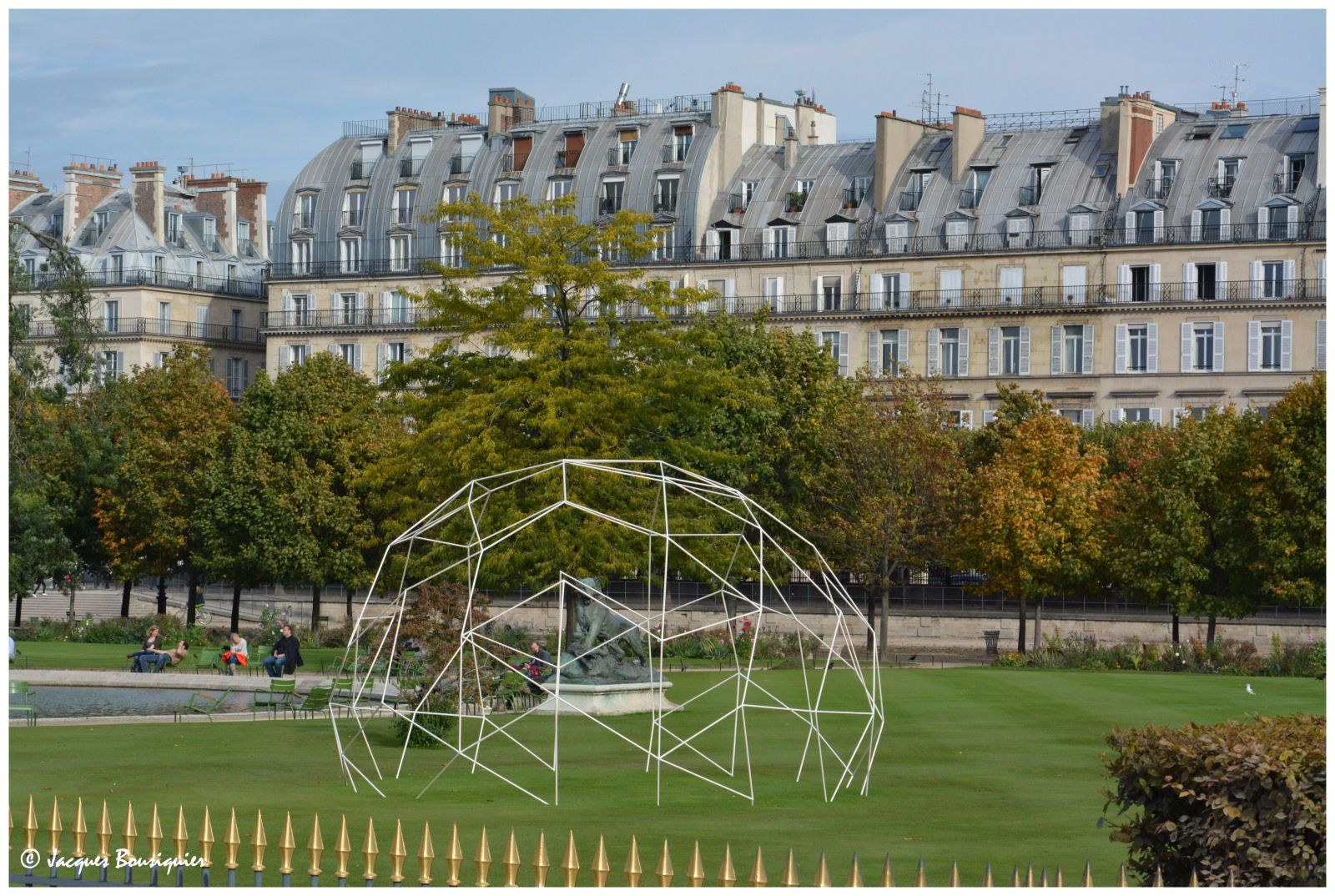 La fiac au jardin des tuileries art en images for Au jardin paris