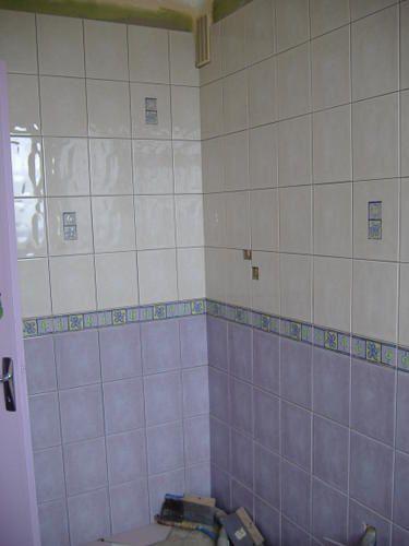 Les carrelages de la sdb sont pos s le blog de cristel for Peut on peindre le carrelage de la douche
