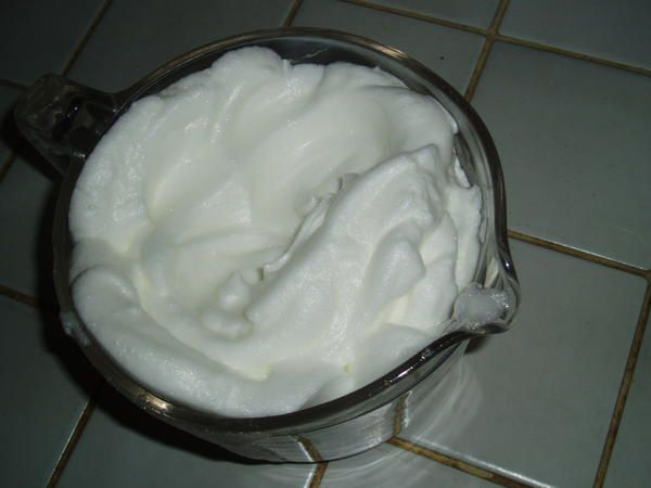 Monter les blancs en neige practical french - Monter blanc en neige thermomix ...