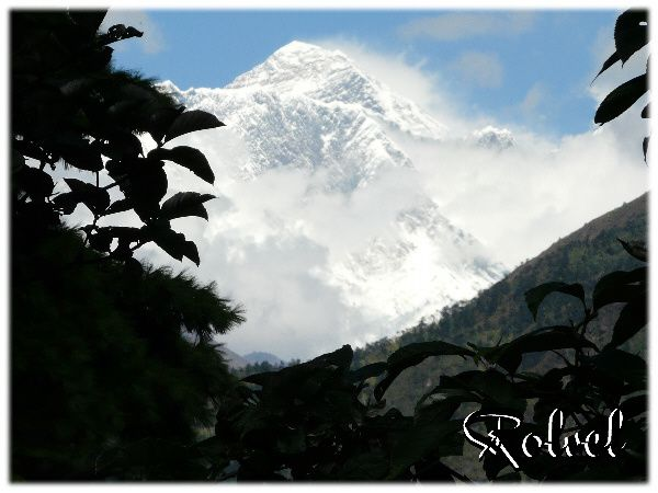 Everest 1ere vue (avt Namche)2