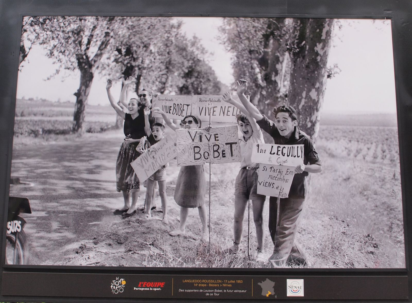 Tour-de-France-1953-supporters-Louison-Bobet-Midi-Pyrenee.JPG
