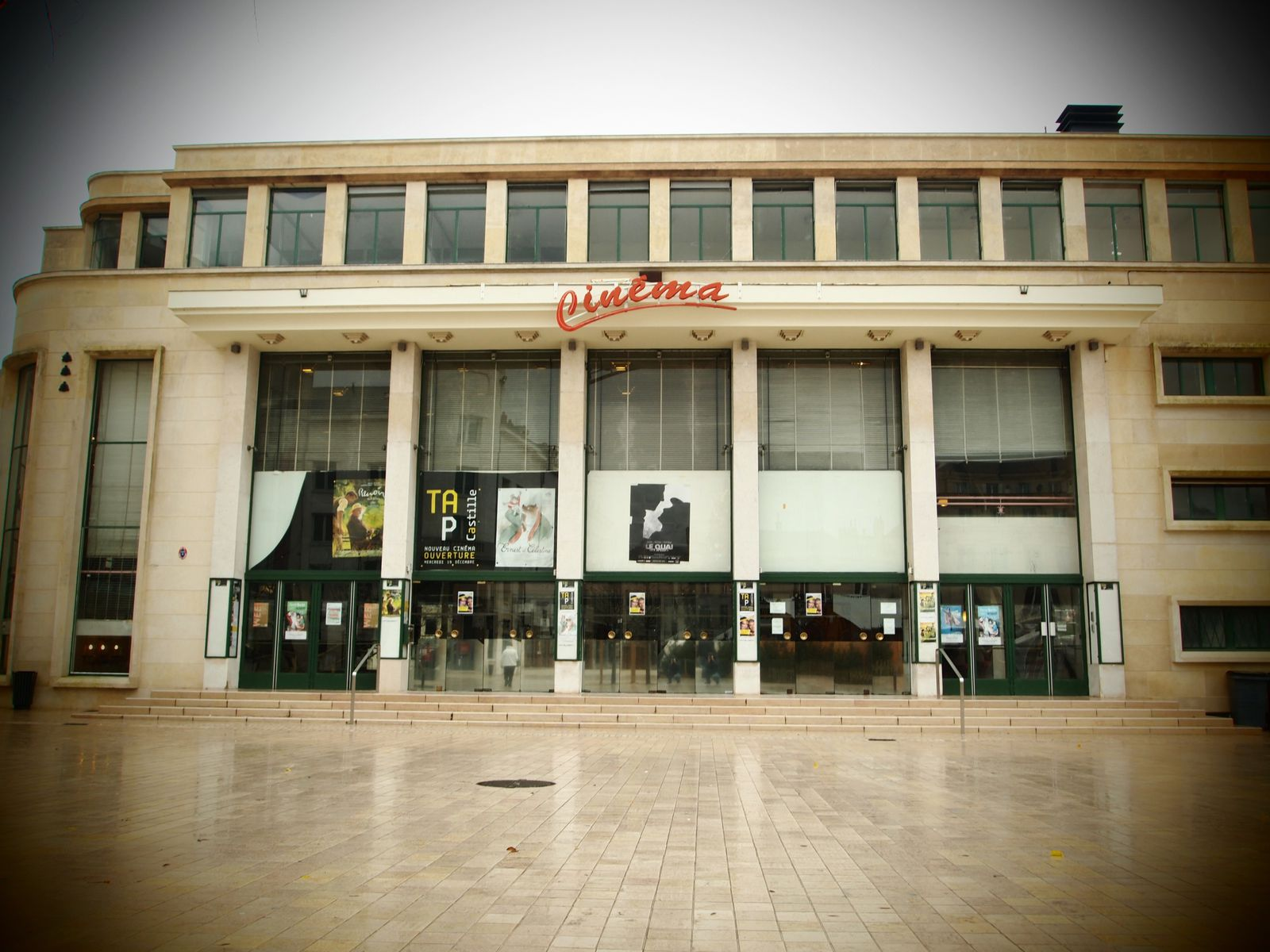 Le-theatre-cinema-Poitiers.JPG