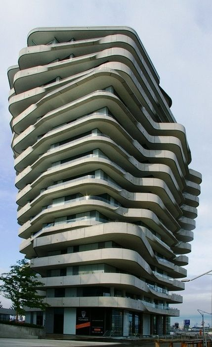 Marco-Polo-tower-Hambourg.jpg