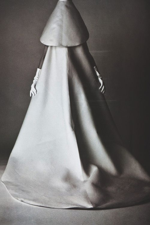 zbalenciaga-1965--by-david-bailey.jpg