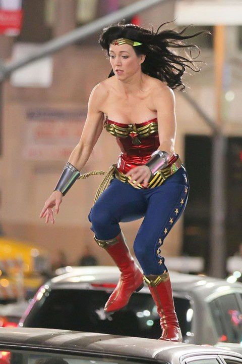 Adrianne-Palicki-Wonder-Woman-3.jpeg