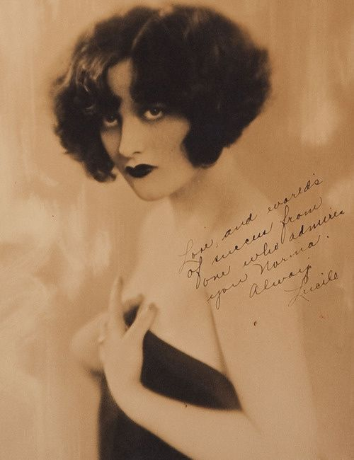 A-1925-photograph-of-Joan-Crawford--signed-with-her-given-.jpeg
