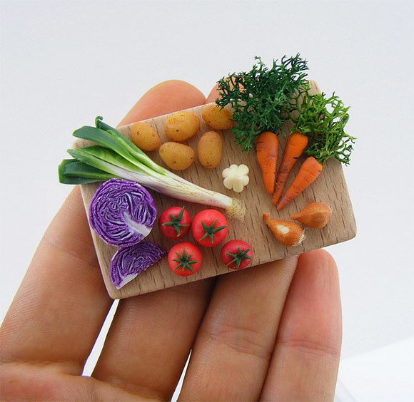 4Miniature-Food-Sculptures-Shay-Aaron.jpeg