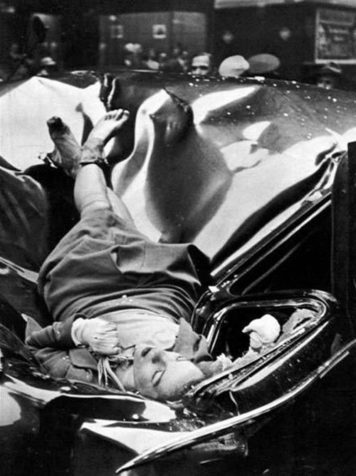 The-suicide-of-Evelyn-McHale-by-Robert-Wiles.jpeg