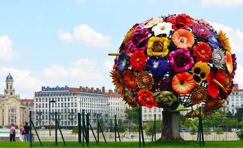 Choi-Jeong-Hwa--The-Flower-Tree--2003--jpg