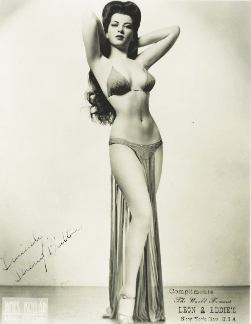 burlesque-dancer-sherry-britton-1940s.jpeg
