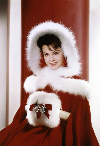 Merry-Christmas-from-AnnetteFunicello1960.jpeg