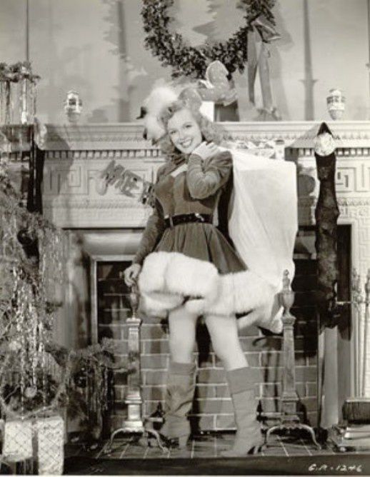 Merry-Christmas-from-Marilyn-Claus.jpeg