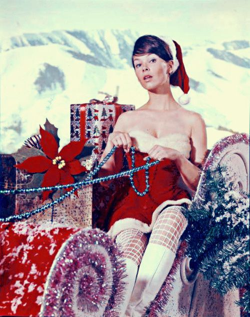 Merry-Christmas-from-Yvonne-Craig--Batgirl--1960.jpeg