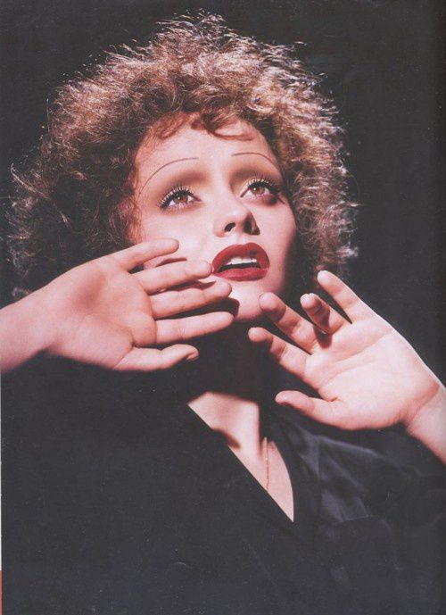 christina-ricci-as-edith-piaf.jpeg