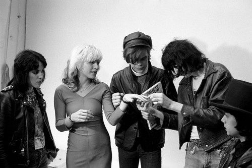 Joan-Jett--Debbie-Harry--David-Johansen-and-Joey-Ramone.jpeg