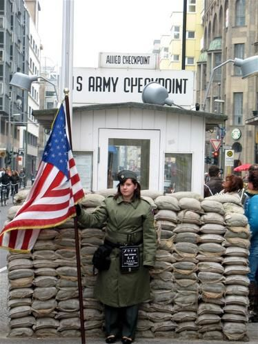 CheckpointCharlie3.jpg