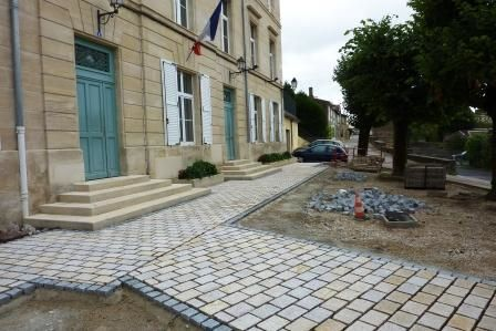Place-mairie-Tr-mont1.jpg