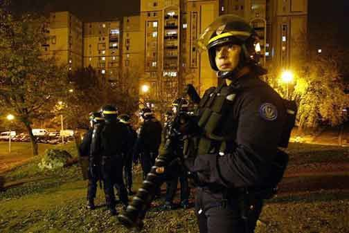 policecorbeil071107-.jpg