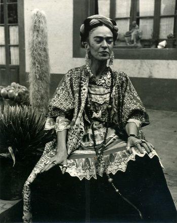 Frida-Kahlo-jardin-Casa-Azul.jpg