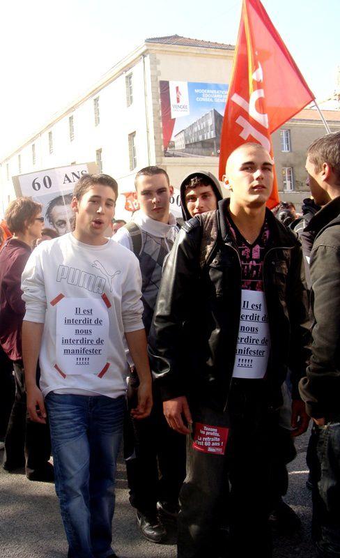 Quelques images des manifestations sur la réforme des retraites à La Roche-sur-Yon (et à Luçon pour des lycéens).