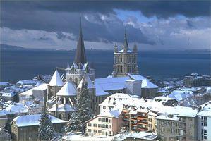 Lausanne-vieille-ville-eneigee.jpg