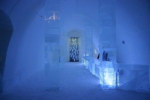 ice-hotel--Absolut-bar--suede.jpg