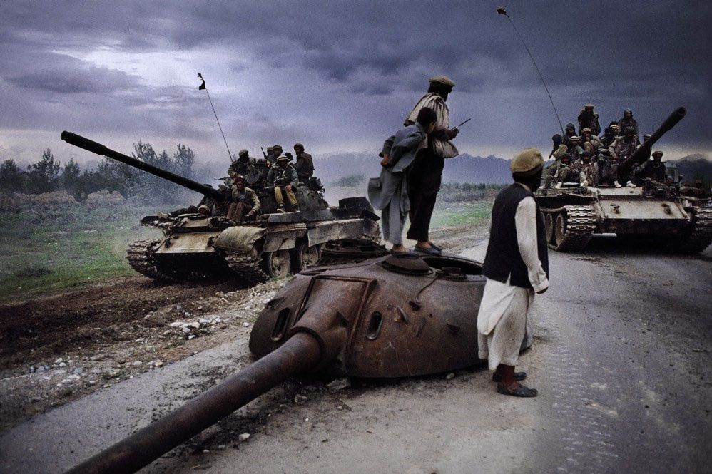 4-C-SteveMcCurry-MagnumPhotos